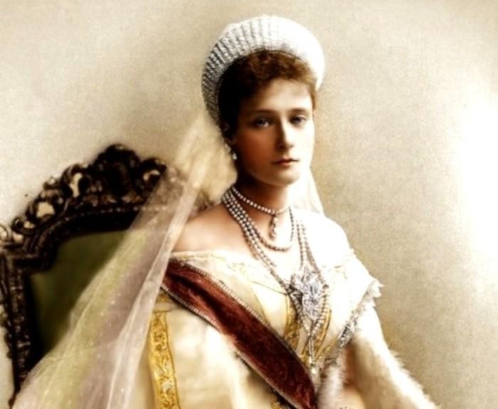 Александра Фёдоровна (Николай II называл её Аликс – производное от Алиса и Александра) – российская императрица, супруга Николая II (c 1894 года)./Фото: history-doc.ru