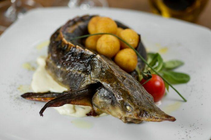 Картофель подавали к царскому столу в качестве вкусной закуски или основного блюда. /Фото: chefmarket.ru