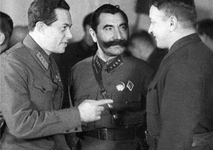 Видные красные командиры Якир, Буденный, Тухачевский. /Фото: cdnimg.rg.ru