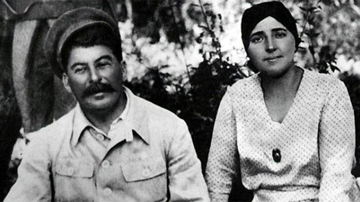 Сталин с женой в Крыму. /Фото: img.gazeta.ru