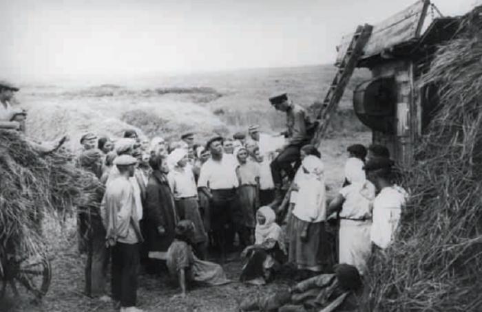 Всего было проверено более 115 тысяч дел, и более чем в 91 тысяче случаев применение закона от 7 августа 1932 года признано неправильным./Фото: porosenka.net