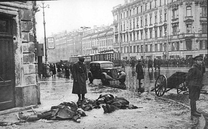 Только на апрель 1942 года у местных шаек было изъято почти 400 револьверов, 27 гранат, более 700 единиц холодного оружия./Фото: 2-fc.com