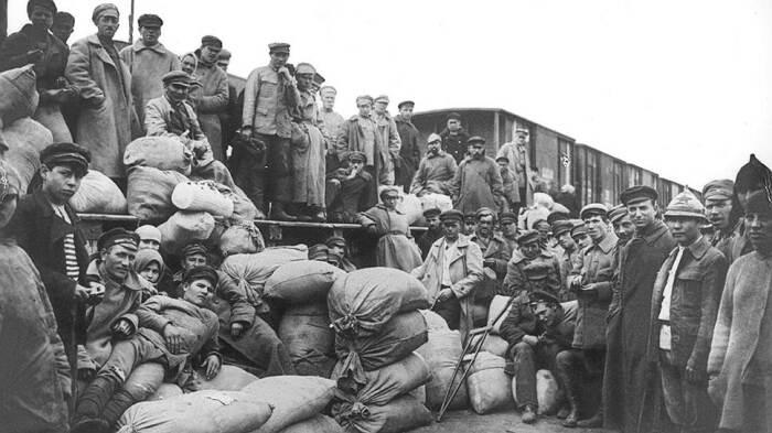 Начало становления военного коммунизма. /Фото: retailer.ru