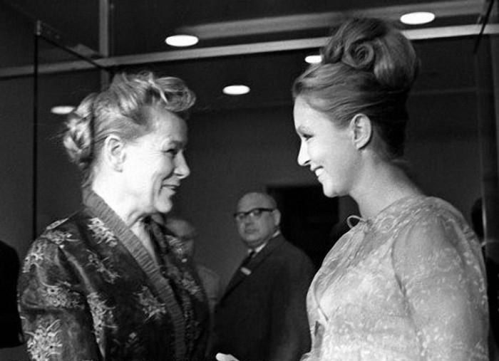 Фурцева и Марина Влади./Фото: ic.pics.livejournal.com