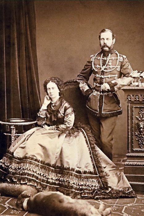 Александр II c супругой Марией Александровной (принцессой Гессенской)./Фото: static.tildacdn.com
