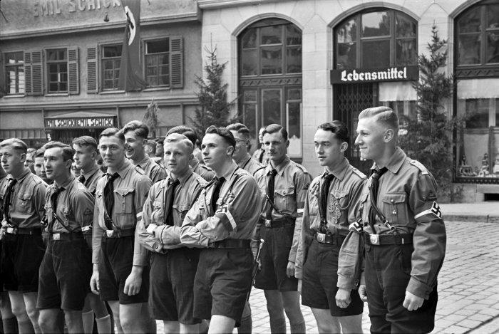 Нацистской пропаганде среди молодежи в Германии уделяли особое внимание. /Фото: tuebingen.de