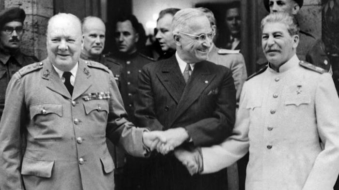 Трумэну так и не удалось реализовать свою «миролюбивую» политику. /Фото: i.ytimg.com