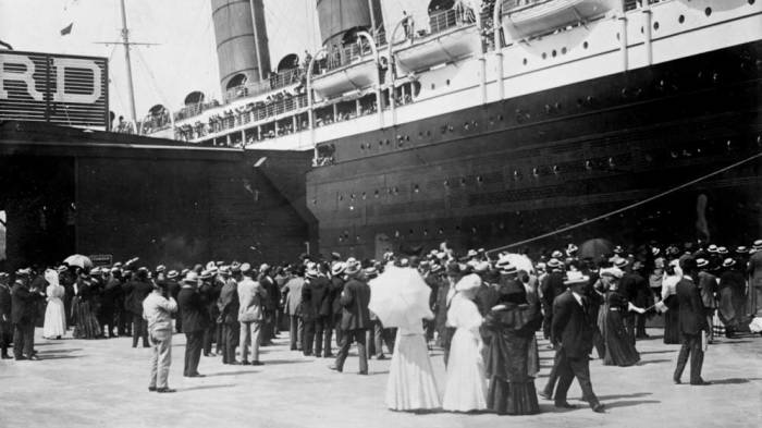 Лайнер «Титаник» перед отплытием./Фото: maritimeherald.com