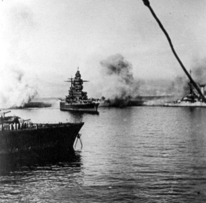 Линейный крейсер «Страсбург» идет на прорыв./Фото: archive.org