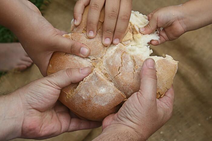 При помощи хлеба лечили детей и взрослых. /Фото: f1.mylove.ru