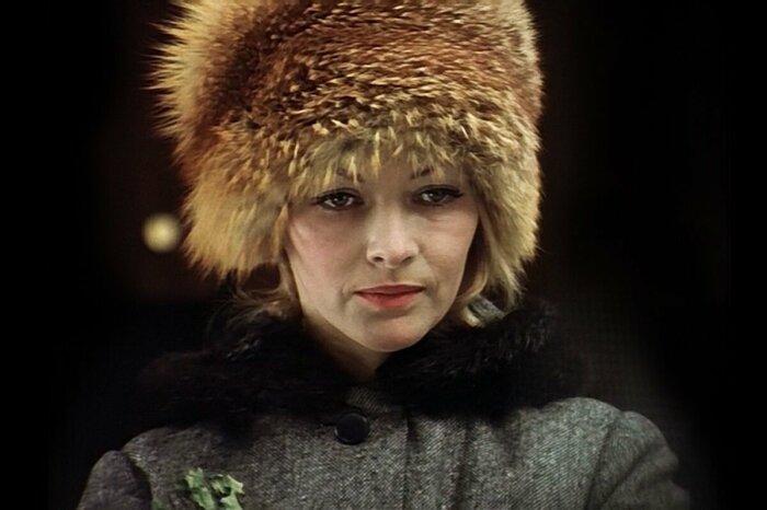 Шапку «как у Нади» хотели все женщины. /Фото: mtdata.ru