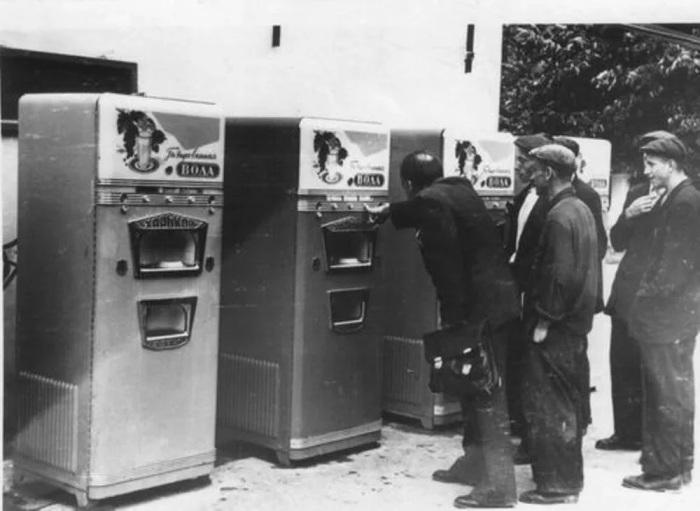 В СССР автоматы быстро и надолго завоевали народное признание. /Фото: avatars.mds.yandex.net