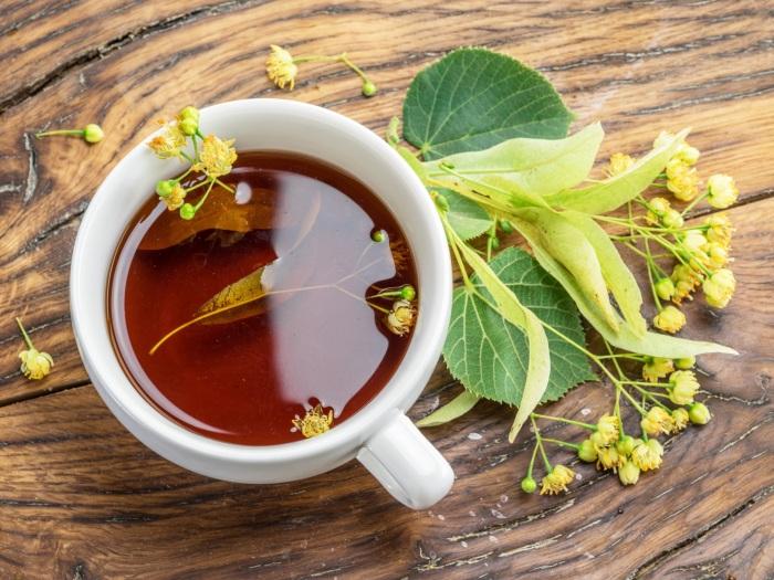 Простые крестьяне долго пили травяные чаи, так как настоящий чай стоил очень дорого. /Фото: gastrofests.com