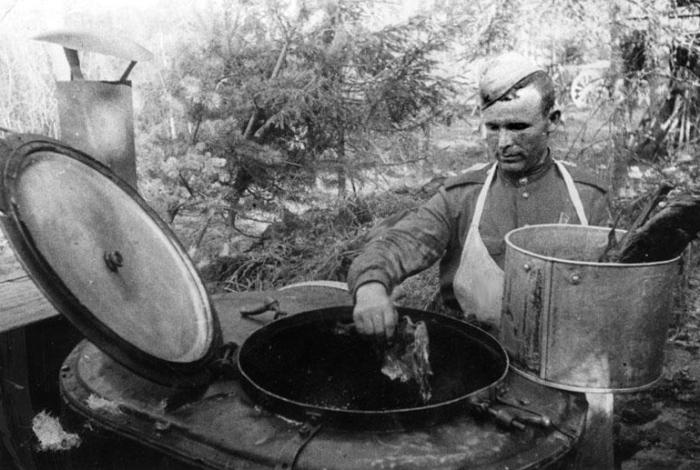 Повар Середа не ограничился прямыми обязанностями. /Фото: mtdata.ru