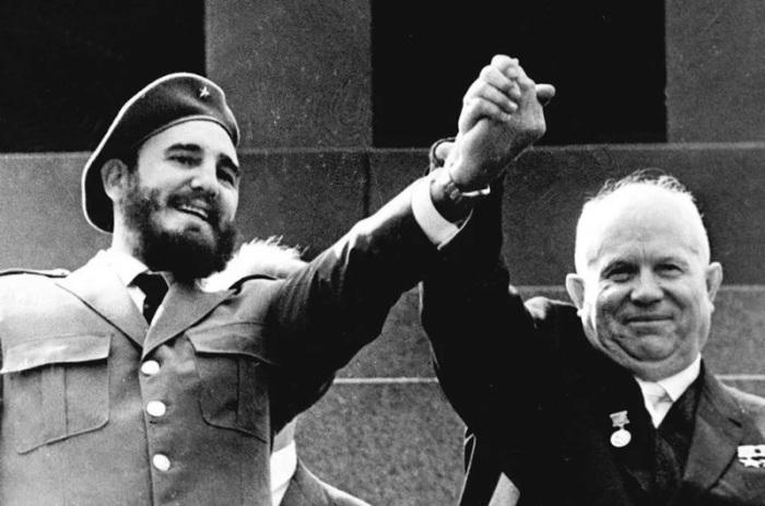 Фидель Кастро и Никита Хрущёв. /Фото: vesti.ua