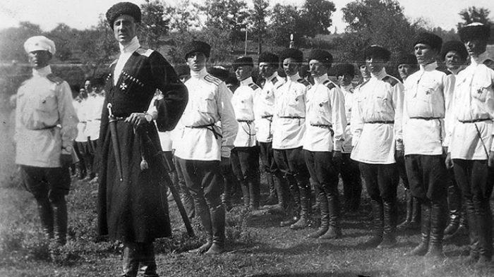 1 ноября 1920 года генерал Врангель, отдаёт приказ об эвакуации «всех, кто разделял с армией её крестный путь»./Фото: tropinki.eu