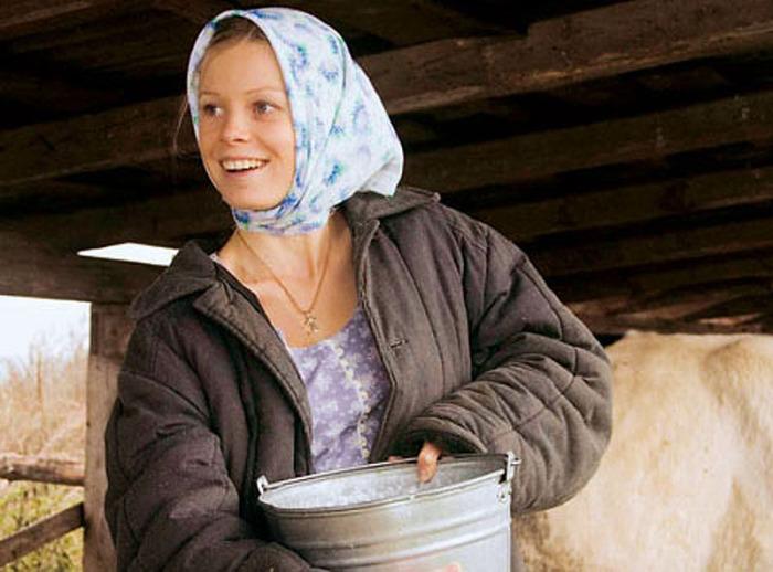 Без косынки женщины не обходились ни на фабрике, ни в колхозе. /Фото: elaigu.ru