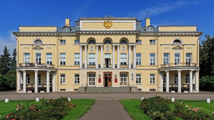 Усадьба Демидова в Нескучном. /Фото: upload.wikimedia.org