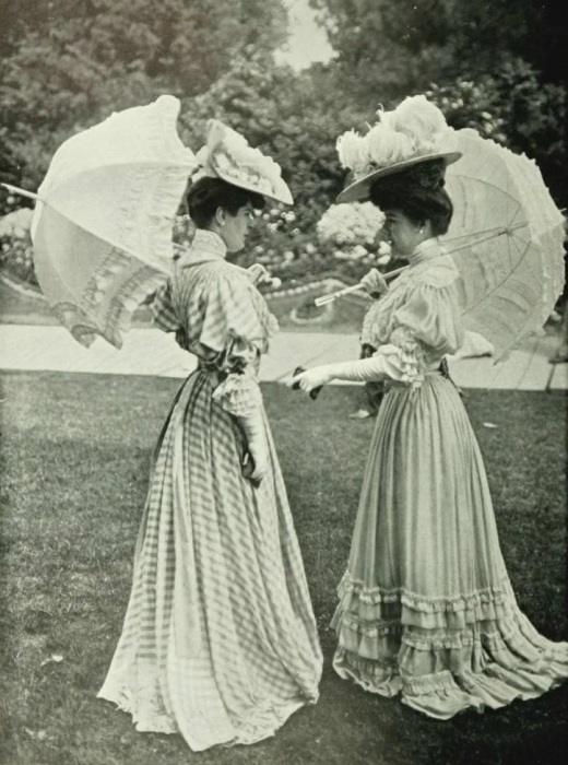 Модницы эпохи модерн./Фото: avatars.mds.yandex.net