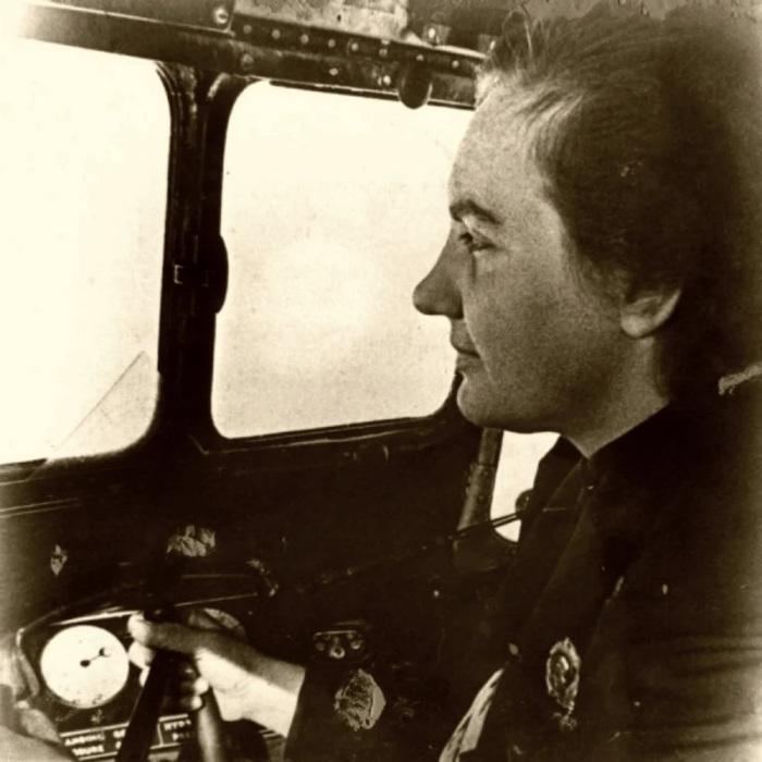 Полковник Гризодубова имела семь орденов (в том числе была награждена орденом Отечественной войны 1 степени) и шесть медалей./Фото: avatars.mds.yandex.net
