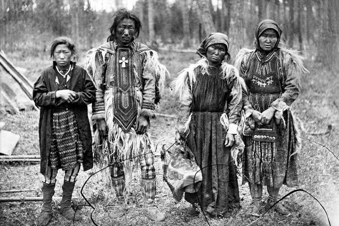 Северные народы употребляли глину в качестве пищевой добавки и как своеобразный десерт. /Фото: pbs.twimg.com