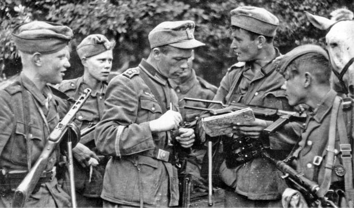 РОНА участвовала в военных операциях против советских партизан до лета 1944 года. /Фото: i.pinimg.com