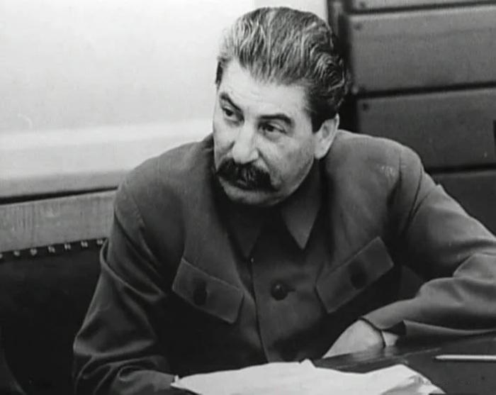 Телеграмма от агента Х вызвала у Сталина реакцию недоумения и множество вопросов… /Фото: avatars.mds.yandex.net