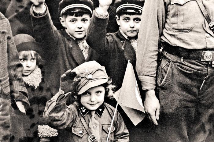 Значительная часть немецкой молодежи превратилась в безжалостных убийц. /Фото: cdnimg.rg.ru