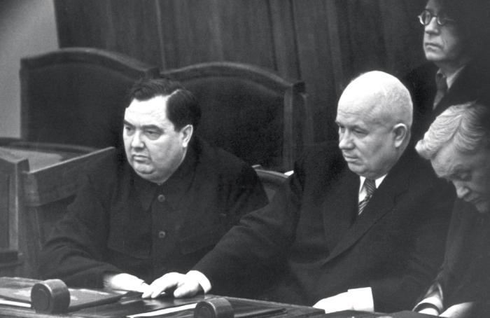 Хрущев легко победил Маленкова в борьбе за власть./Фото: cont.ws