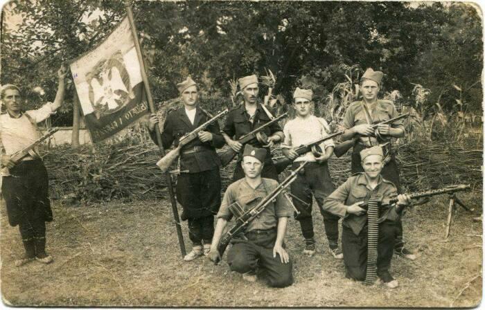 Усташи и четники. /Фото: ic.pics.livejournal.com