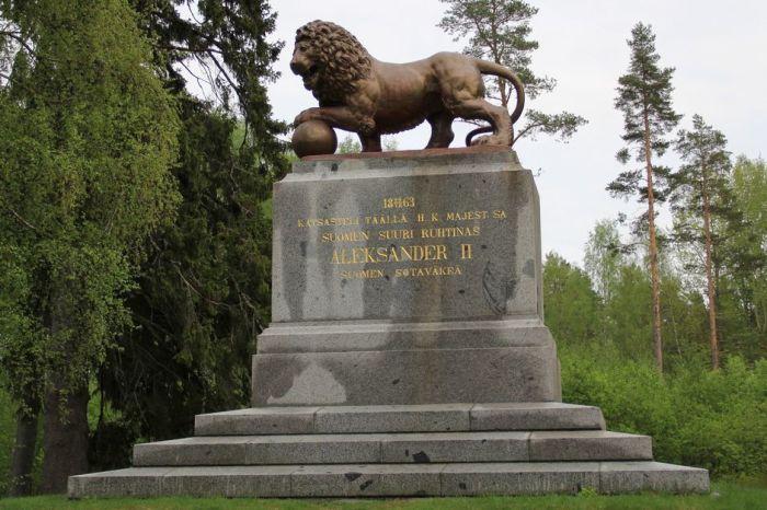 Памятник в честь визита императора Александра II на военном плацу в Парола (Хямеенлинна)./Фото: img.yle.fi