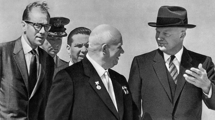 Дуайт Эйзенхауэр и Никита Хрущёв. /Фото: b1.m24.ru