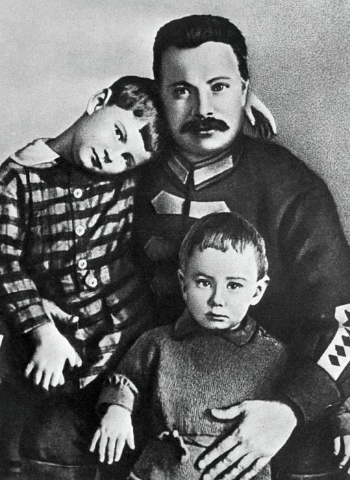 С детьми. /Фото: avatars.mds.yandex.net