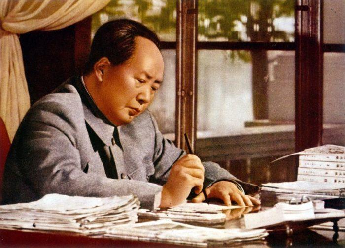 Мао взял курс на независимость от Москвы и всецелую власть над соцлагерем./Фото: sensum-club.pro