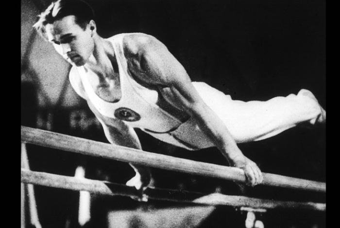 Виктор Чукарин – советский гимнаст, заслуженный мастер спорта СССР (1951). /Фото: cs8.ru