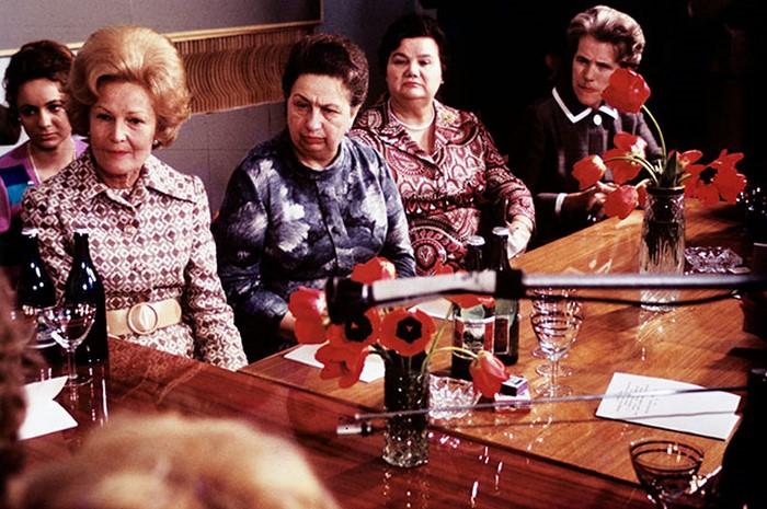 Супруга президента США Патриция Никсон, Виктория Брежнева и супруга министра иностранных дел СССР Лидия Громыко (слева направо), 1970 г./Фото: prikol.is
