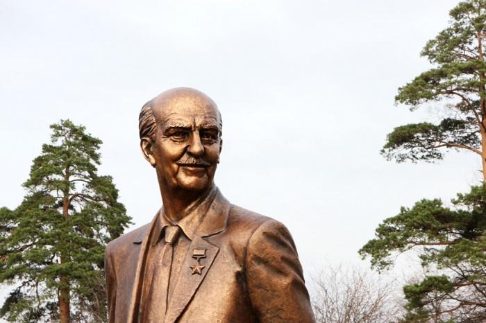 Памятник Геворку Вартаняну в Москве./Фото: eurasia.expert