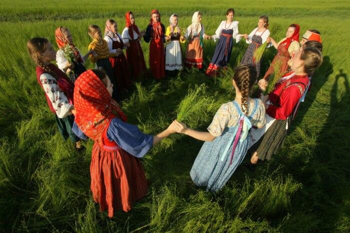 Сакральный славянский хоровод – пример солнцепоклонничества. /Фото: bitoflife.ru
