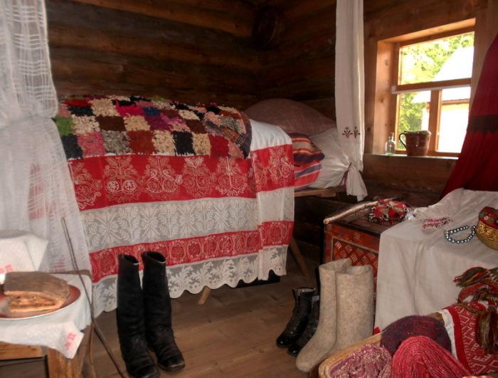 Для молодоженов готовили ложе. /Фото: club.foto.ru