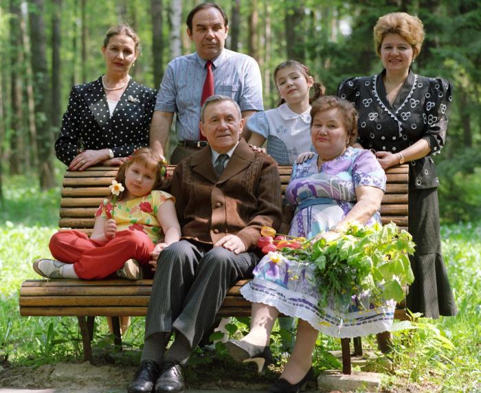 Андрей Громыко с семьей. /Фото: souzveche.ru