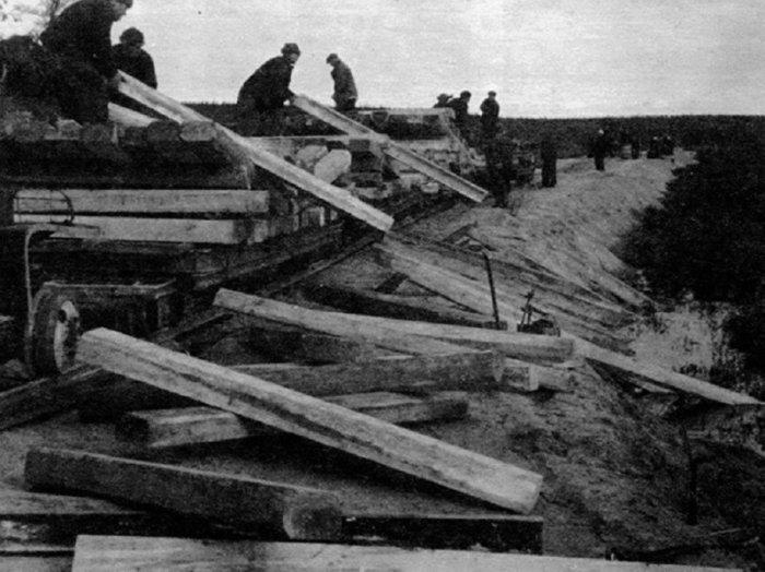 Одной из «бед» магистрали была удаленность от Большой Земли, что сказывалось на доставке качественных стройматериалов./Фото: mtdata.ru