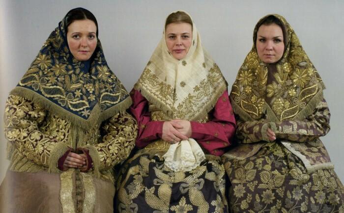 Платок на покромку носили во многих губерниях. /Фото: img-fotki.yandex.ru