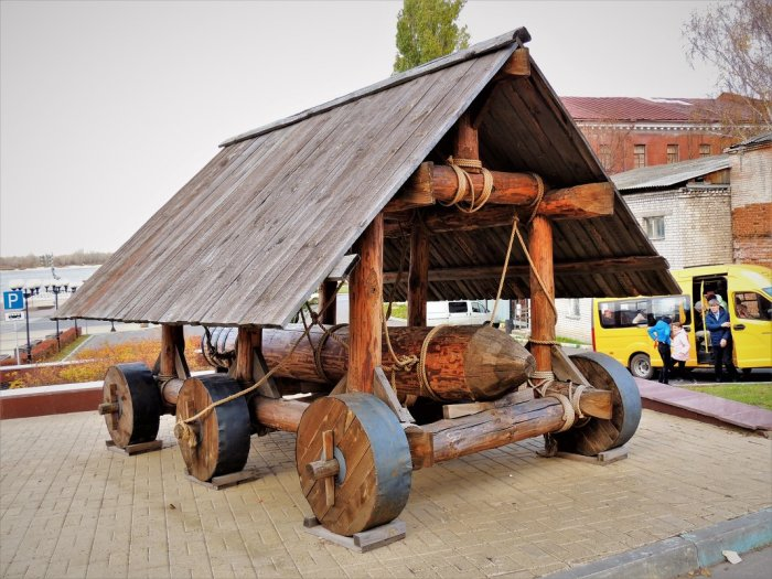 Средневековый таран -  «сокол». /Фото: s1.fotokto.ru