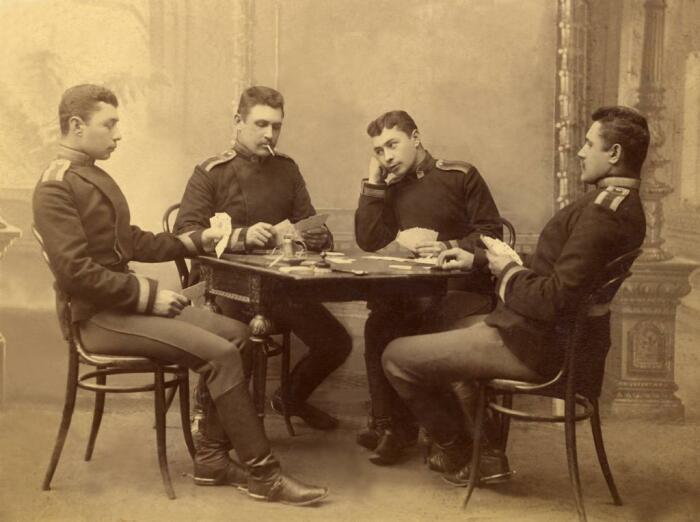 Азартные игры в воинской среде порицались. /Фото: proza.ru