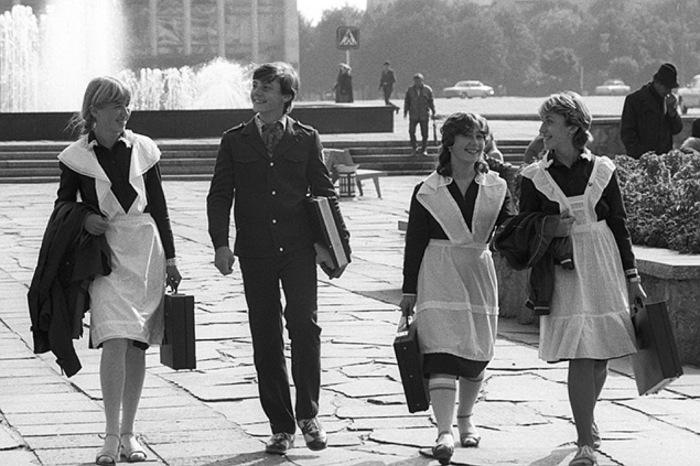 Ходить в школу с дипломатом было супермодно. /Фото: casual-info.ru