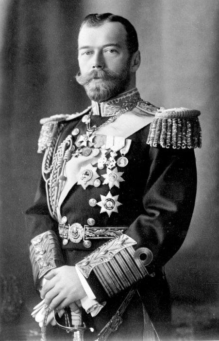 В 1899-1901 годах Николай II подписал серию манифестов, которые стали шагами по реализации «программы Бобрикова»./Фото: im0-tub-ua.yandex.net