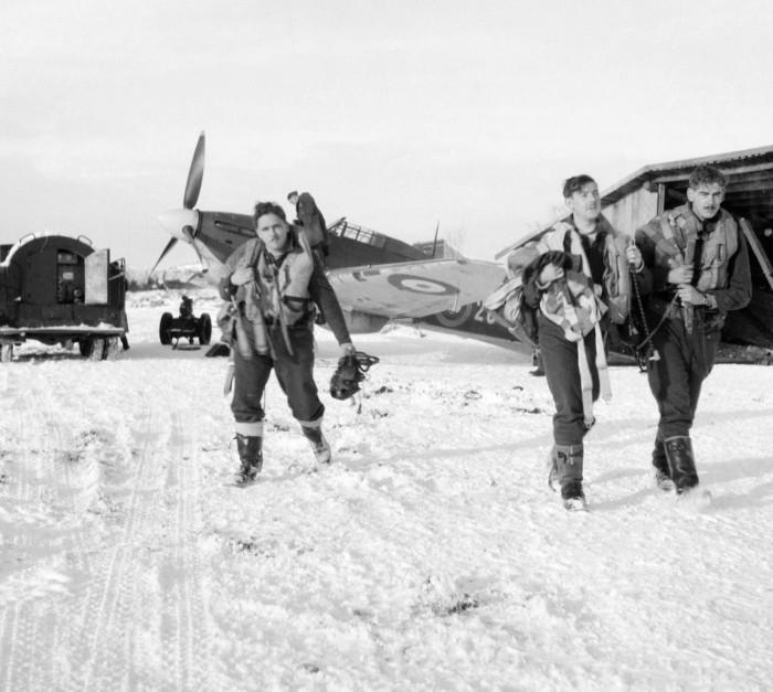 Британские лётчики в СССР осенью 1941 года. /Фото: cdni.rbth.com