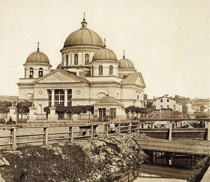 Лиговский канал был открыт 16 сентября 1725 года. /Фото: avatars.mds.yandex.net