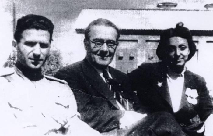 Руководитель Социалистической объединённой партии Каталонии Рафаэль Видьелла, советский партизан Хосе Грос и Африка де Лас Эрас Гавилан./Фото: vpk.name