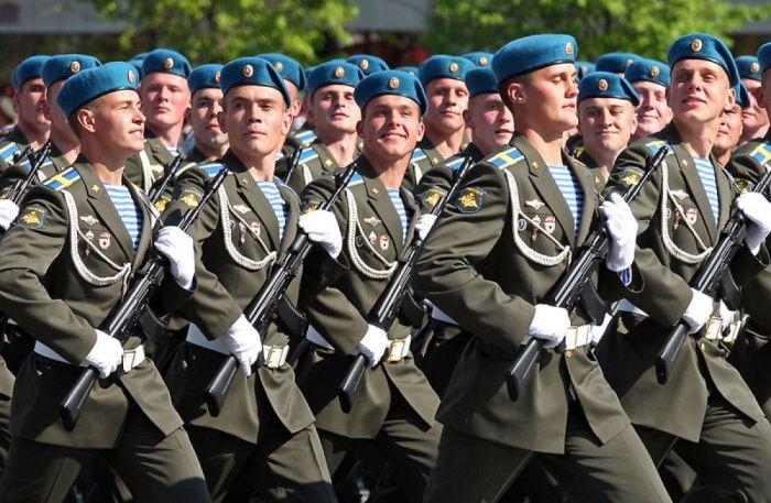 Тельняшки и голубые береты – традиция авторства Маргелова./Фото: vdp.mycdn.me